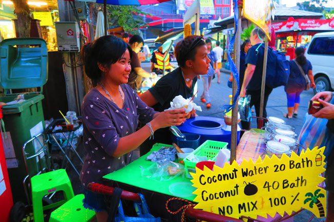 chatuchak-weekend-market-bangkok-coconut-ice-cream