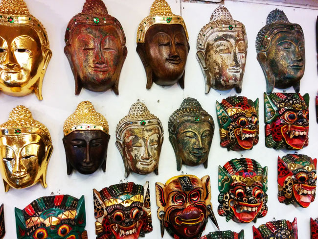 chatuchak-weekend-market-bangkok-masks