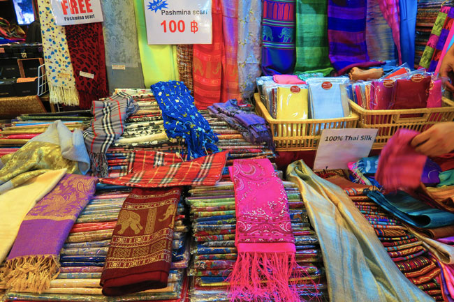 chatuchak-weekend-market-bangkok-silk-scarves