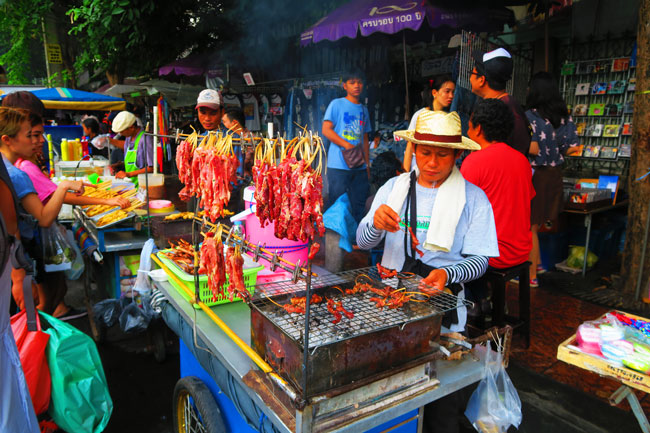 chatuchak-weekend-market-bangkok-street-food