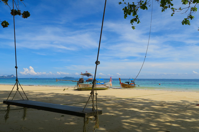giant-beach-swing-rantee-beach-ko-phi-phi