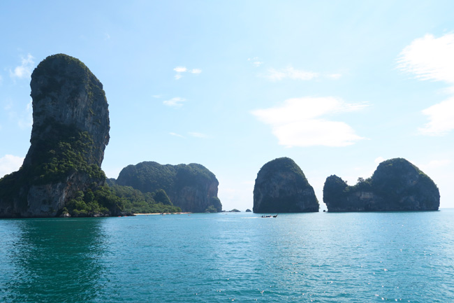 limestone-cliffs-railay-beach-coatsline-thailand