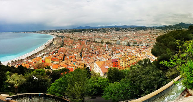 nice-panoramic-view-from-parc-de-la-colline-du-chateau