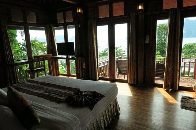 phi-phi-the-beach-resort-ko-phi-phi-room
