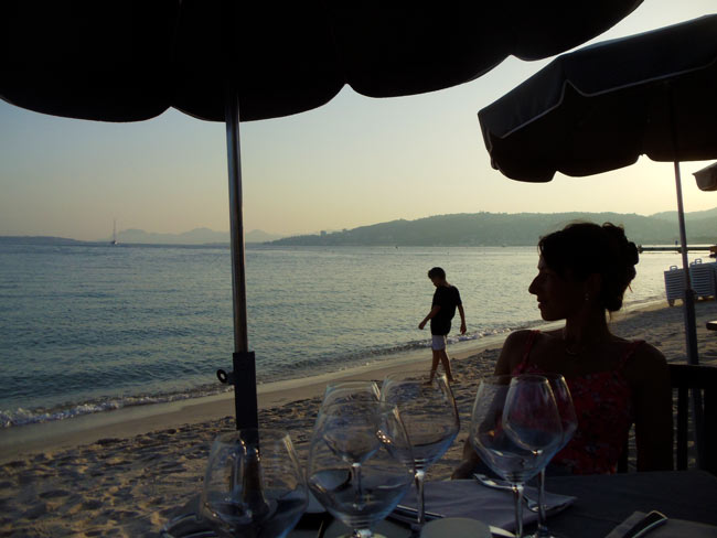 ruban-bleu-beach-dinner-in-juan-les-pins