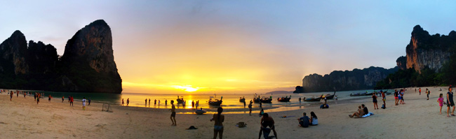 sunset-in-railay-beach-thailand-panoramic-view