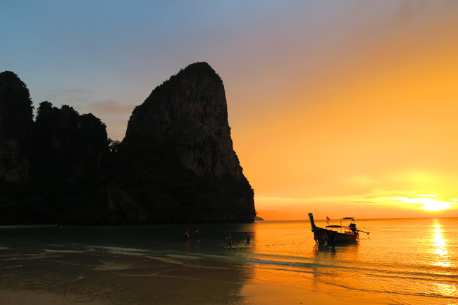 sunset-in-railay-beach-thailand