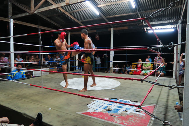 thai-boxing-railay-beach-thailand
