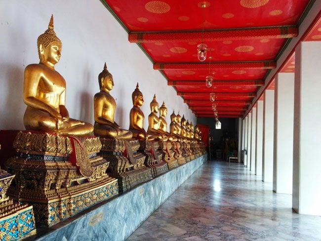 the-grand-palace-bangkok-rows-of-buddhas