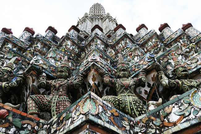 wat-arun-bangkok-temple-decorations