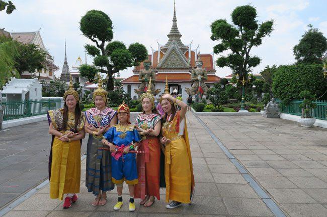 wat-arun-bangkok-temple-entenace