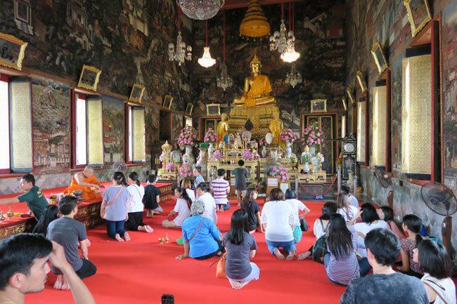 wat-arun-bangkok-temple-shrine