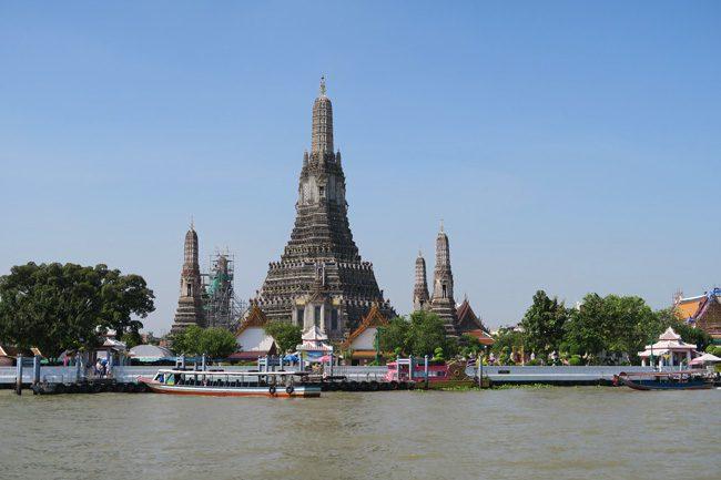 wat-arun-temple-bangkok-thailand