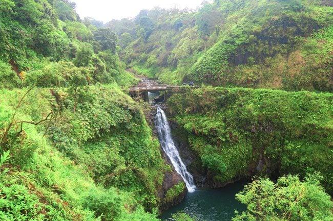 Crossing one lana bridge - Road to Hana - Maui Hawaii