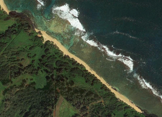 Larsens Beach Kauai - Hawaii - Google Earth