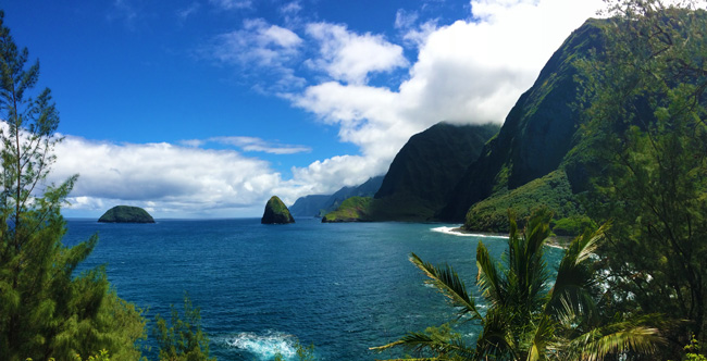 5 days in Molokai sample itinerary - Na Pali cliffs from Kalaupapa