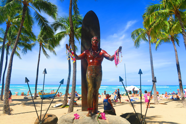 Duke Kahanamoku Statue - Waikiki Beach - Oahu - Hawaii