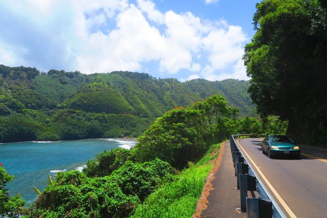 Kaumahina State Wayside - Driving scenic road to Hana - Maui - Hawaii