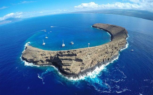 Molokini Crater - Maui - Hawaii - Bossfrog