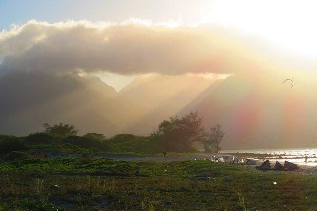 Rays pierce Iao Valley - Kahana Beach Park - Maui - Hawaii