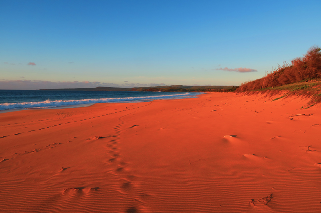 Red sand dune before sunset - Papohaku Beach - Molokai - Hawaii