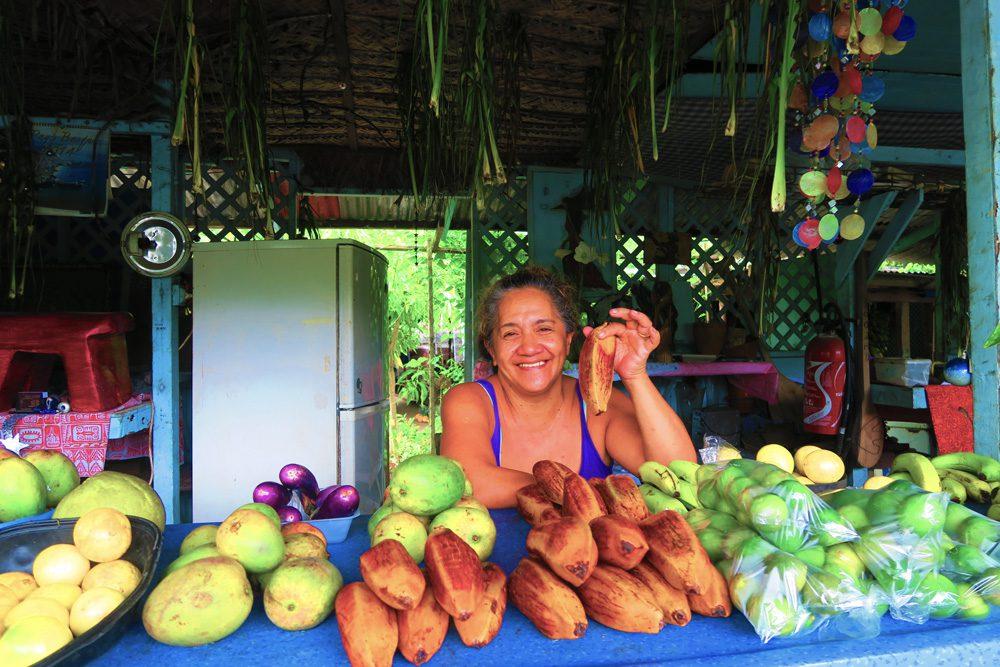 דוכן פירות באי מוריאה - טהיטי - פולינזיה הצרפתית