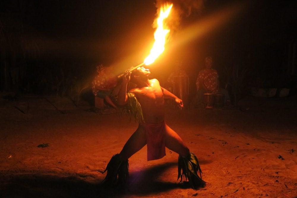 ריקוד אש פולינזי - טהיטי - פולינזיה הצרפתית