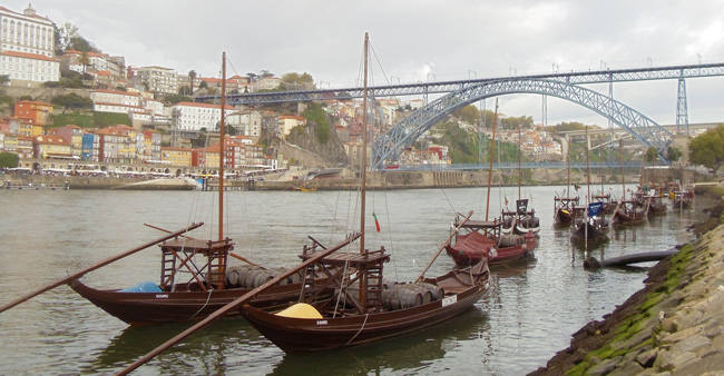 3 Days In Porto - dom luis bridge and rabelo boats