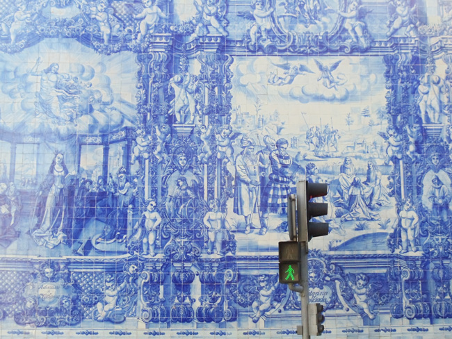 Blue ceramic painted tiles - Capela das Almas - Porto - Portugal