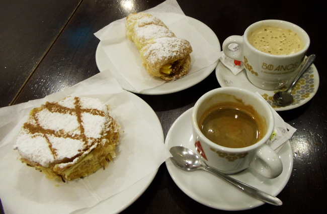 Breakfast in Porto Cafe - Padeirinha Doce - Portugal