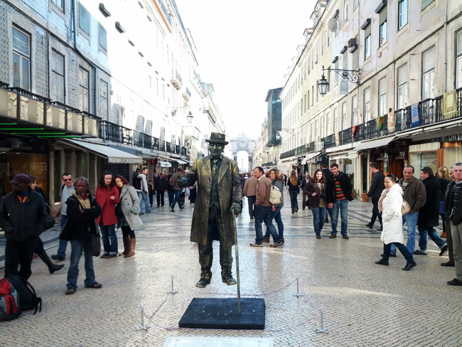 Street performer in Baixa - Lisbon - Portugal