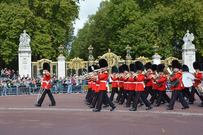 Changing of the Guard - Buckingham Palace - London