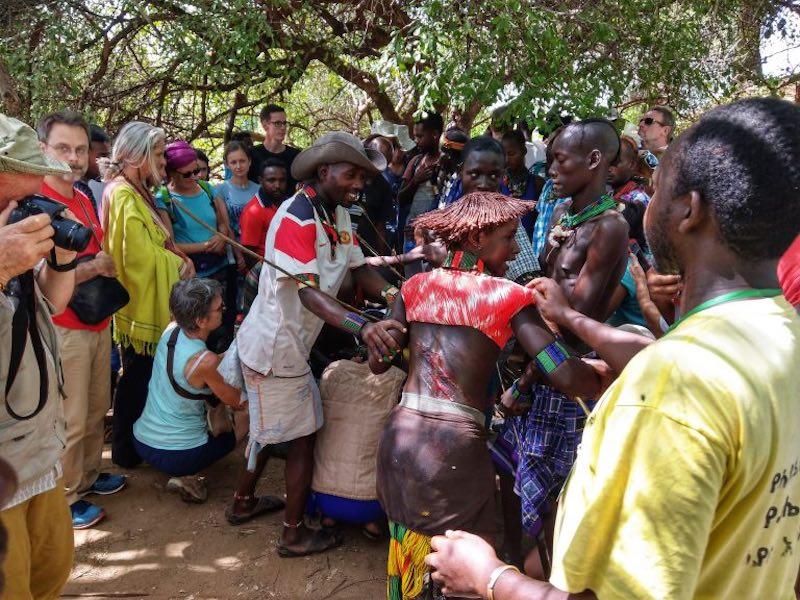 Hammer tribe female whipping ceremony - Vagabjorn