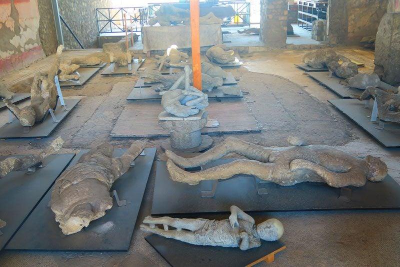Pompeii ashes of bodies