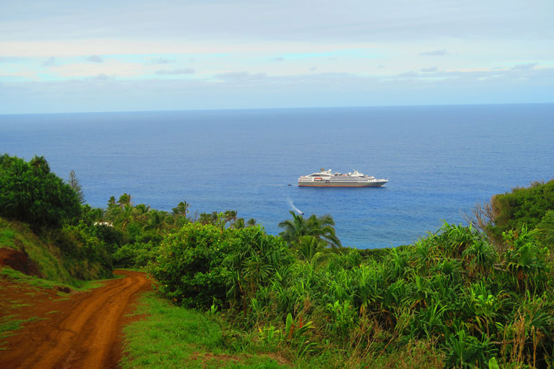 Dirt-roads on Pitcairn Island