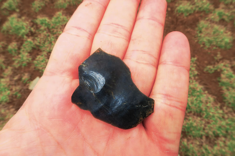 obsidian volcanic glass stone