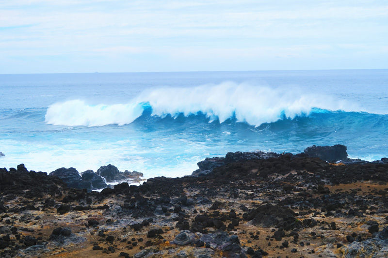 Hanga Poukura big waves Easter Island