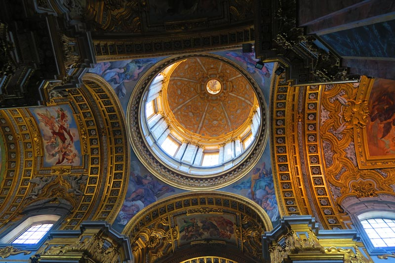 Basilica dei Santi Ambrogio e Carlo - Rome church - the dome