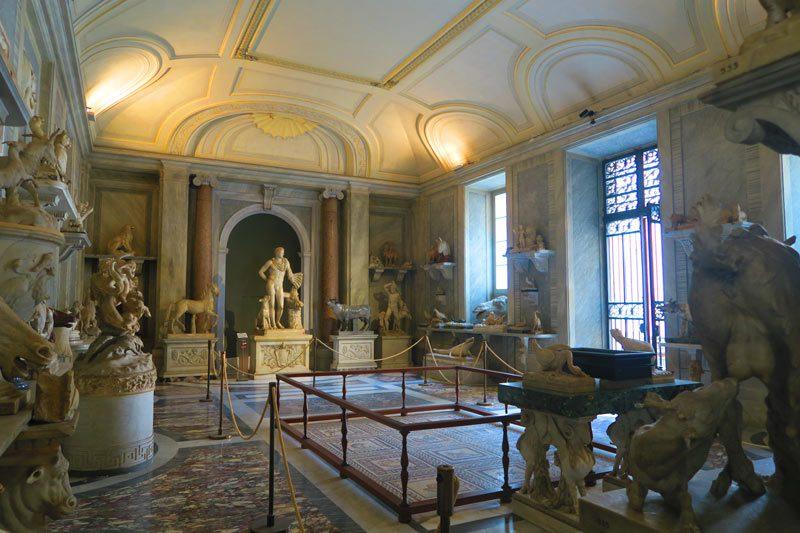 Pio-Clementino Museum - Vatican Museum - Rome - sculpture room