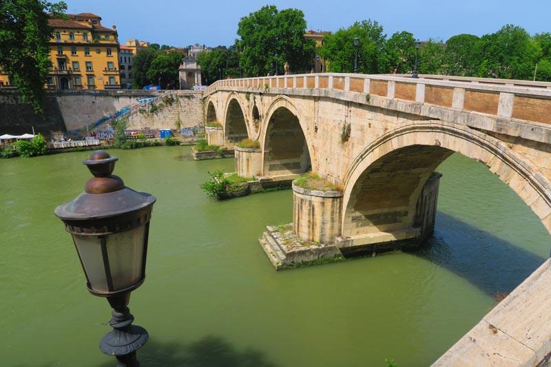 Ponte Sisto - Tiber River Bridge - Rome
