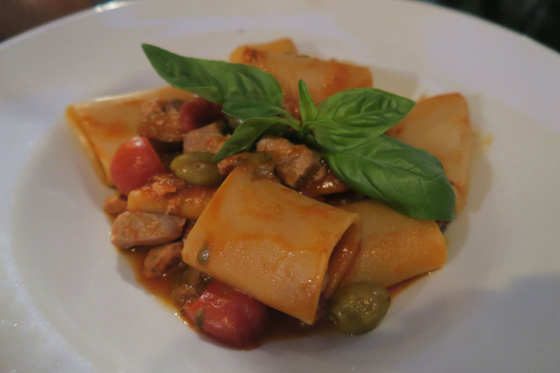 Romantic Restaurant La Scala in Trastevere in Rome - thick pasta