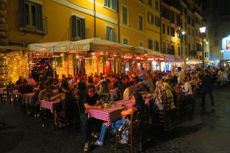 Rome restaurants at night - campo de fiori