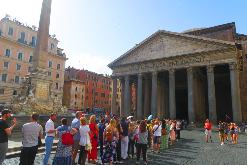 The Pantheon Rome - queues