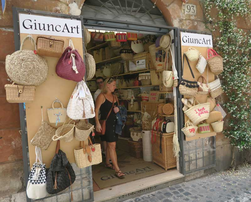 Things to buy in Rome