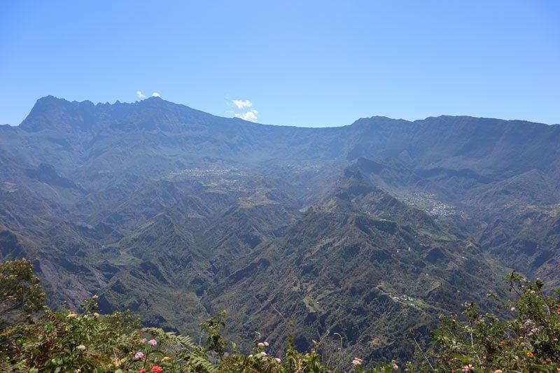 Fenetre des Makes hike - Reunion Island - view of cirque de cilaos