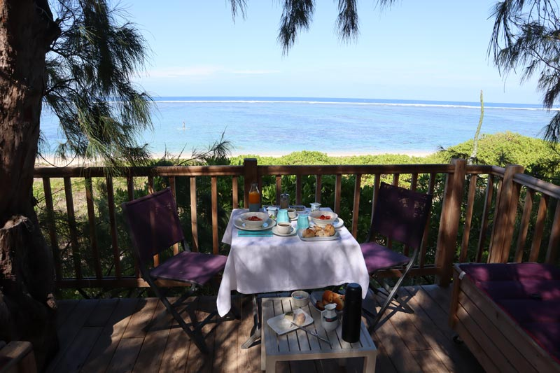 La Villa de la Plage - Reunion Island - breakfast in treehouse