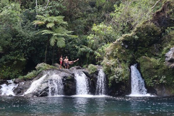 Local jumping to Cascade du Trou Noir - Reunion Island waterfall