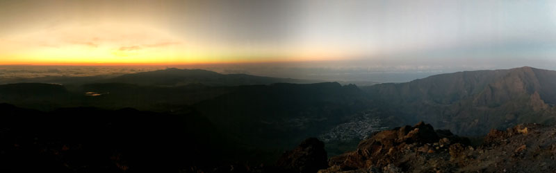 Piton des Neiges hike - Reunion Island - sunrise over cilaos