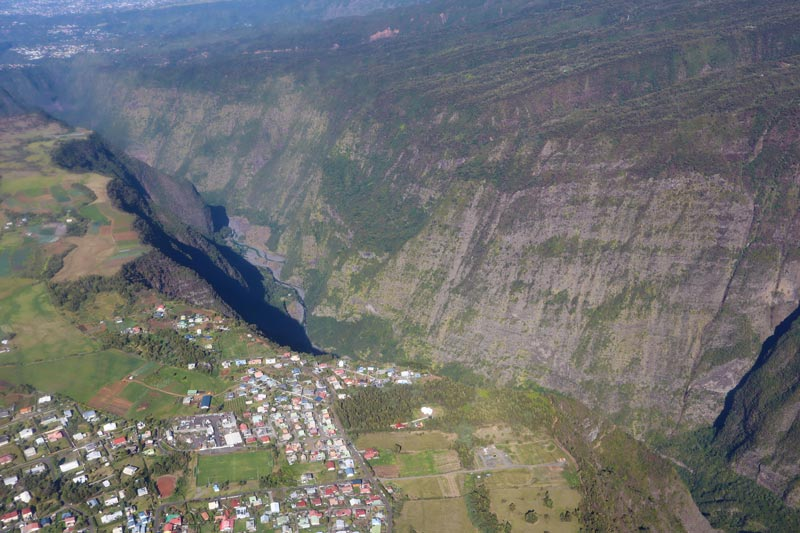 Scenic helicopter flight - Helilagon - Reunion Island - Grand Coude
