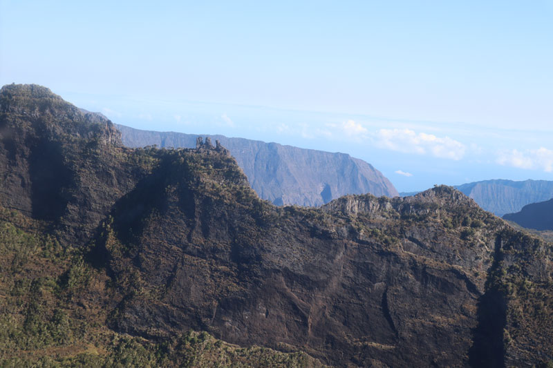 Scenic helicopter flight - Helilagon - Reunion Island - three sisters